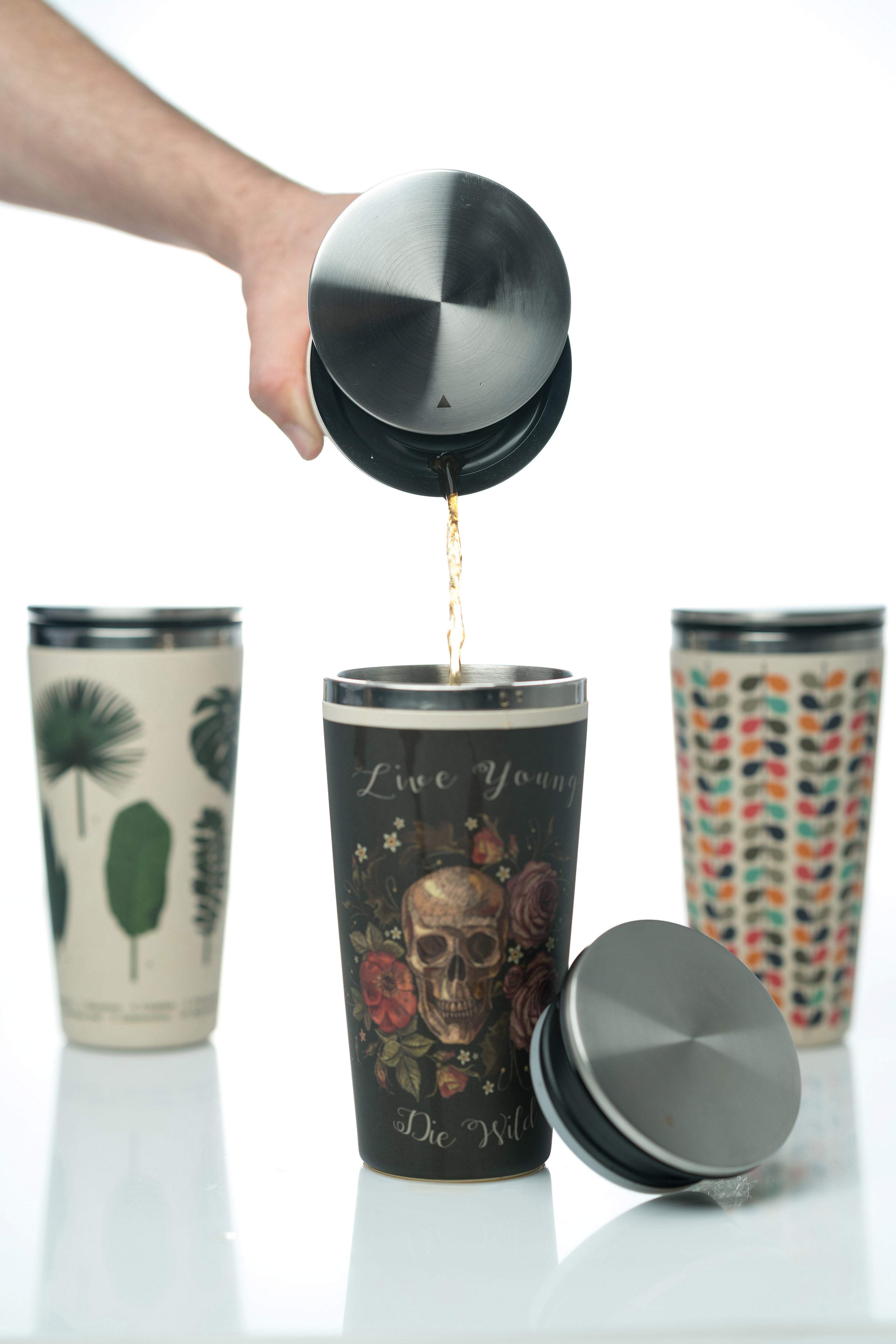 Sliding cup pooring coffee